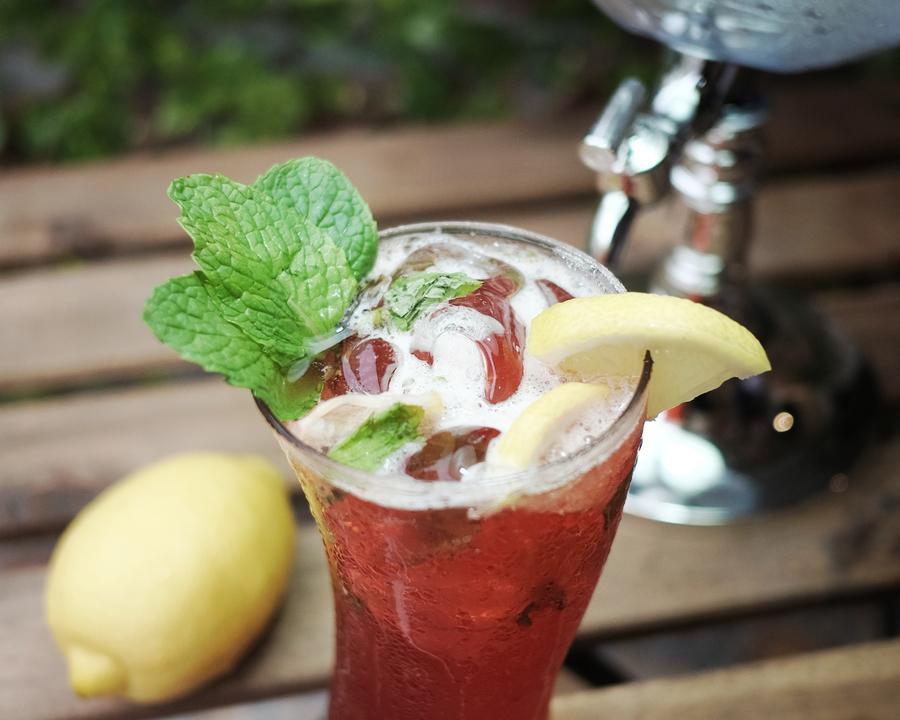 Medium wild strawberry