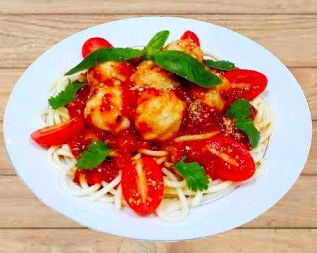 Small p1. spaghetti bolognese chicken meatballs