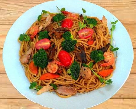 Small p6 stir fried spaghetti