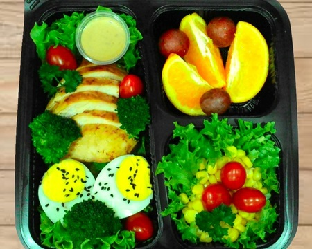 Small s4.rosemary grilled chicken with salads   fruit combo