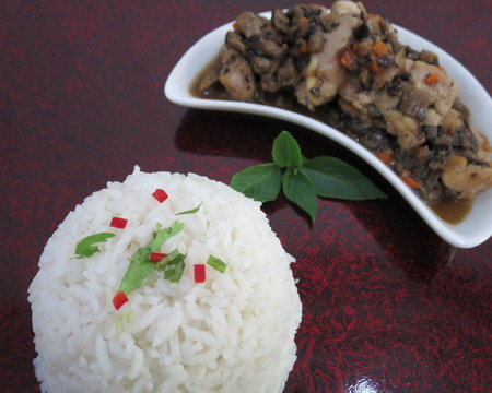 Small mushroom chicken w rice