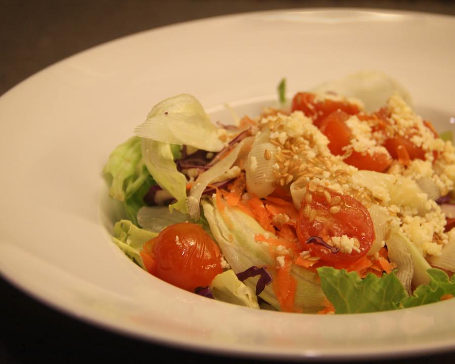 Medium garden salad